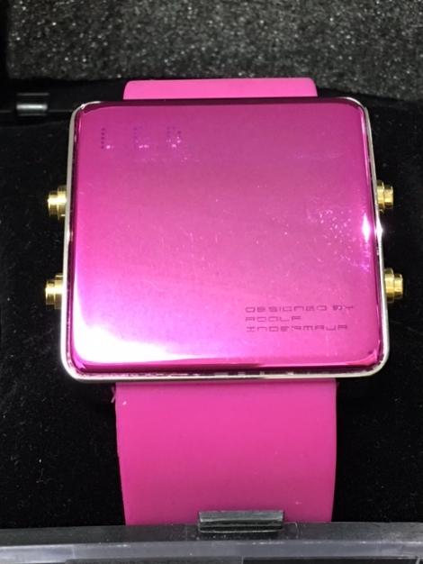 リサイクル & アウトレット はっぴー LED時計ピンク 新品