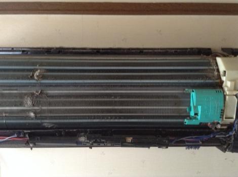 浜松おそうじハウス エアコン分解後熱交換器1before