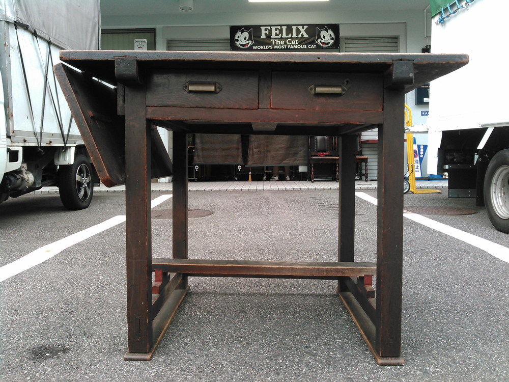 広島県の不用品整理.出張買取は実績多数のアサヒデザイン広島 広島市安佐北区にて.古い木製バタフライ.テーブル.雑貨.ミシン等を出張買取り致しました。