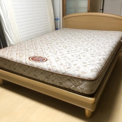 リサイクル & アウトレット はっぴー 【超美品】定価20万♪ 高級 日本ベッド ダブルベッド 木製ブラウン♪