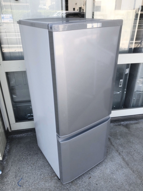 リサイクル & アウトレット はっぴー 【新品同様】三菱 2017年製 146Lノンフロン冷凍冷蔵庫 ピュアシルバー♪