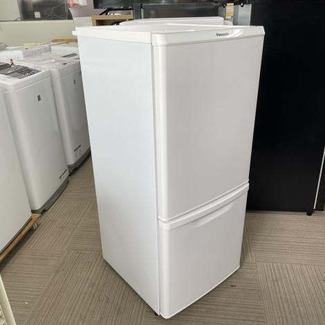 リサイクル & アウトレット はっぴー 【激安商品】パナソニック 2016年製 138Lノンフロン冷凍冷蔵庫 ホワイト♪
